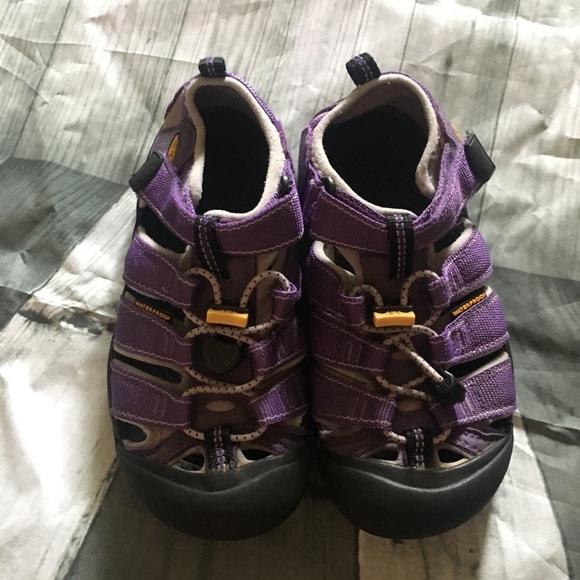 huge discount b885b 6fee7 KEEN Sandals Purple Girls 1 33 Waterproof Hiking